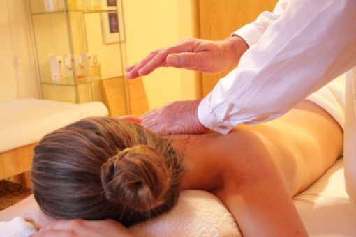 Masaż leczniczy i relaksacyjny